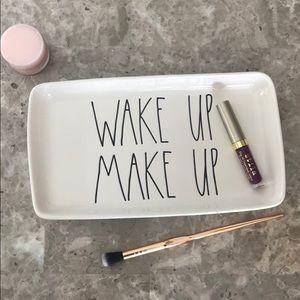 Host a Pick 🎊 NWOT Rae Dunn Wake Up Make Up Tray